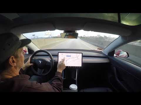 Tesla führt Autobahnpiloten ein