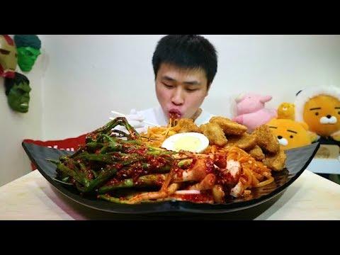 [Flower pig]꽃돼지 엄청매운쫄면 하앍 파김치 먹방 [jjolmyeon lcy face]mukbang Eating show