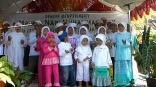 preview picture of video 'Maulid Nabi 090309 Villa Mutiara Gading 1 Rt01 rw18 2'