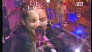 Alicia Keys- Little Drummer Girl