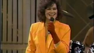 "K.T. OSLIN ""YOU CALL EVERYBODY DARLING"" - WOLF TRAP, 1991"