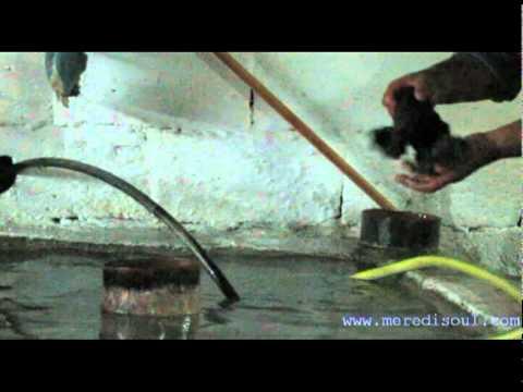 Δαιαδικασία καζανιού στην Κρήτη για την παραγωγγή τσικουδιάς