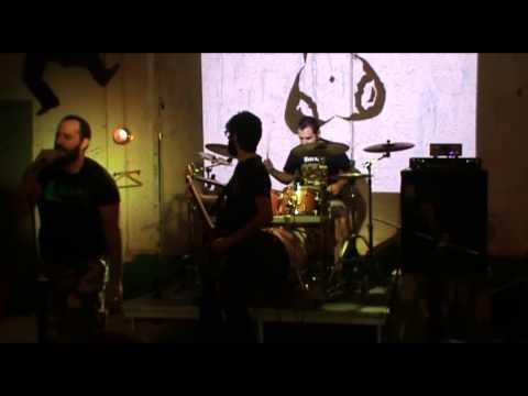 iola 11 - Rotten Beat ( live at Tora K44, 30-05-13 )