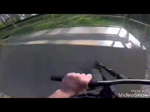 Riding Lapote thrills and spills skatepark (tricks)
