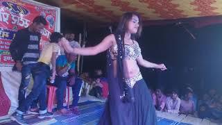 Bangla Gaadi jhumke Kangna Pinky ka lajawab dance