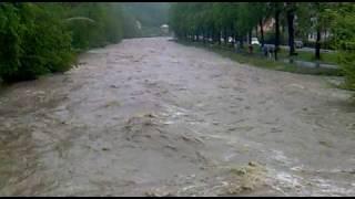 preview picture of video 'Povodně 2010 - Rožnov pod Radhoštěm (2)'
