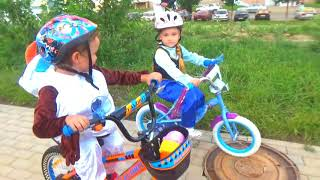 Frozen Elsa, Olaf And Anna In Real Life * Races on bicycles Funny video with Makar for kids