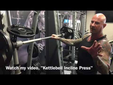 Smith Machine Reverse Close Grip Bench Press