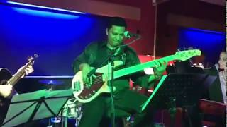 Lino and Friends - Party Cover Band video preview