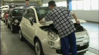 Shots of Fiat 500 being made in the factory