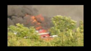 preview picture of video 'Incendio alla Caffarella del deposito auto 12/7/2009'