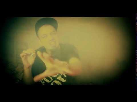 DeSade - DeSade - Kuřák (Official video, ZNK 2012)