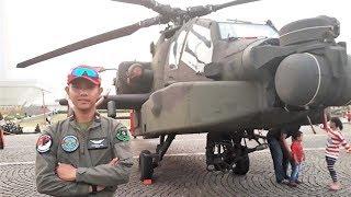 Helikopter Apache AH-64 Ditampilkan dalam Pameran Alutsista TNI 2018 di Monas