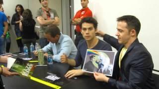 Jeff et Dylan pendant la séance d'autographe