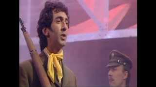 Jona Lewie 'Stop The Cavalry' (Top Of The Pops)
