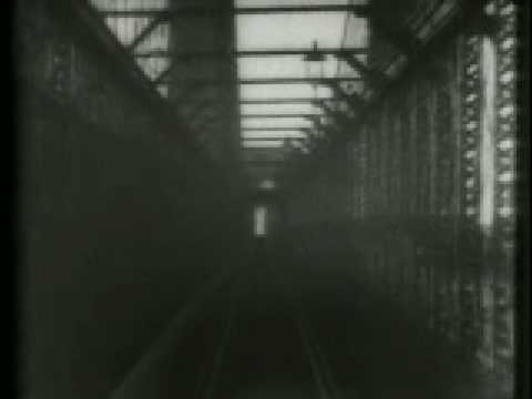 Video: Thomas Edison Crossing The Brooklyn Bridge In 1899