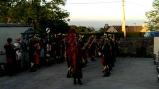 preview picture of video '2014 Great Morris Dance Off at the Blue'