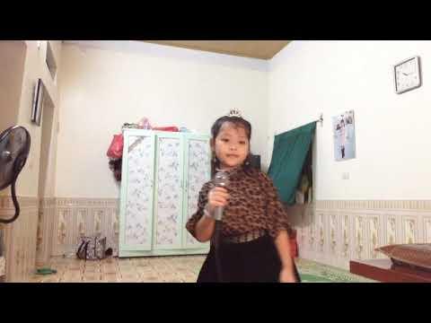 Món quà tặng cô - Biểu diễn: Thảo Chi, lớp 2B