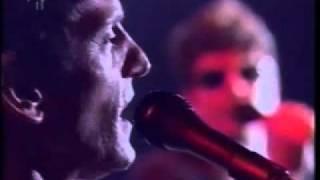 """Titãs - """"Miséria / Rock Americano"""" no programa Ensaio em 2002"""