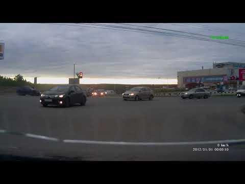 ДТП на перекрёстке в Сыктывкаре (осторожно мат)