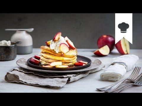 Pancakes selber machen I Amerikanische Pfannkuchen mit Ahorn-Sahne | EDEKA