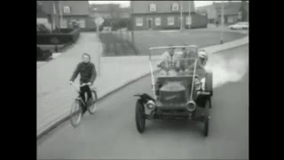 Race van oude stoomautomobielen bij het Autotron Drunen 1976