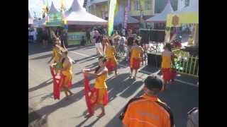preview picture of video 'Tari Penyambutan - Sanggar Tari Majar Anak Tabela - SMA Negeri 2 Kuala Kapuas'