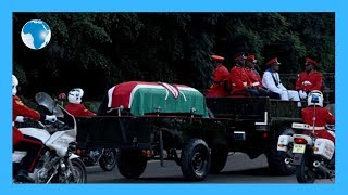 Kenyans view Moi's body for last day - LIVE