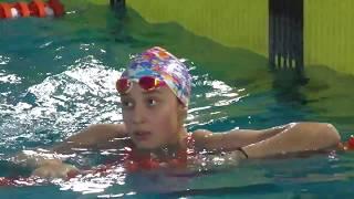 Анна Крамарь заплыв.