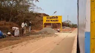 preview picture of video 'Mumbai-Madgaon Janshatabdi - Beutifull view of Ratnagiri City'