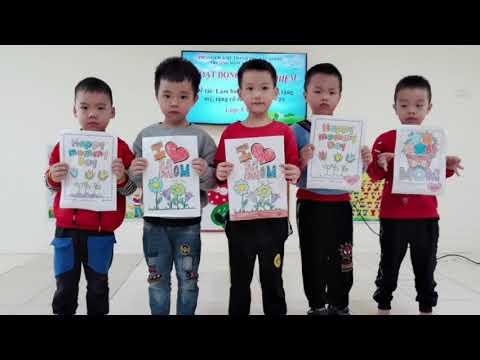 Hoạt động làm bưu thiếp chúc mừng ngày 20/10 của các bé 5A2 trường MN Tân Tiến
