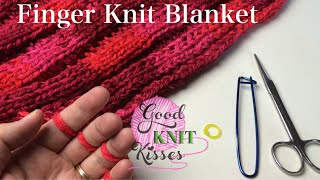Finger Knit Blanket (or wide scarf) How to connect (with Closed Captions CC)
