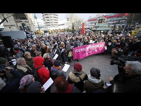 Βερολίνο: Οι πολίτες τιμούν τη μνήμη των θυμάτων της τρομοκρατικής επίθεσης