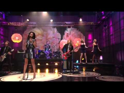 Selena Gomez & The Scene - Love You Like A Love Song (live on