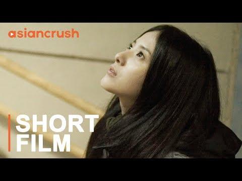 A Korean director falls for a strange Japanese girl on a breezy night   Korean Short Film
