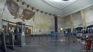 """Станция метро """"Площадь Революции"""" и переход на станцию """"Театральная"""""""
