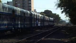 preview picture of video 'UGOFE LSM: ALCO RSD-16 NºB819 ingresando a estación Caseros con Rumbo a Pilar'