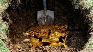 7 Amazing Treasures Discovered Accidentally By Metal Detectors