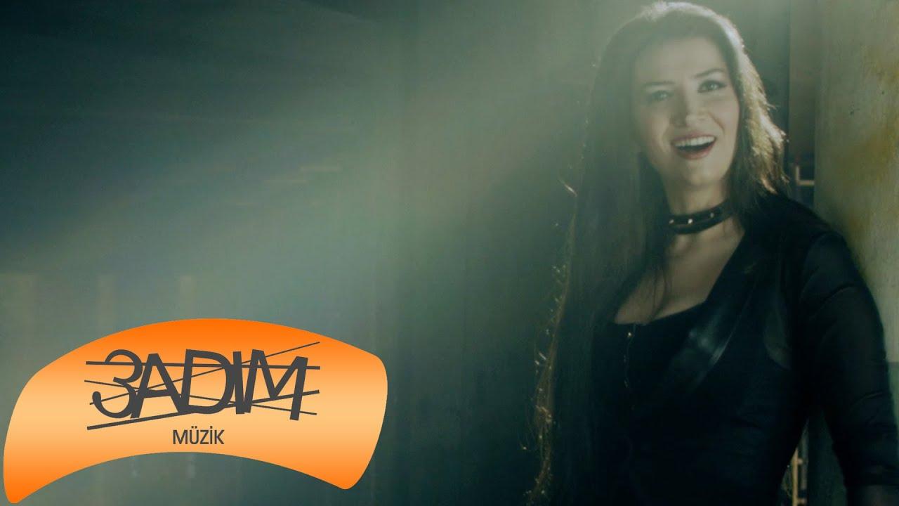 Berfin Gürsoy – Eyvallah ( Official Video )