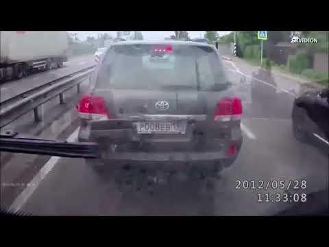 【グロ注意】即死級!悲惨な交通事故の車載動画