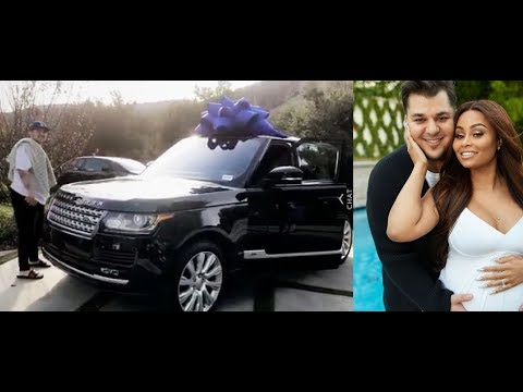 Blac Chyna is Mad that Rob Kardashian wont give her back her Range Rover after she gave back his car