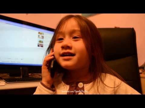 Camilla ThyThy điện thoại với bà ngoại và em Taylor