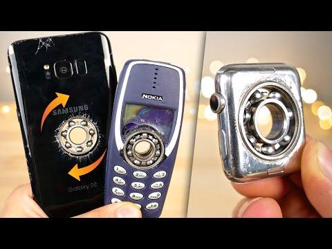 Apple Watch e Samsung Galaxy S8 Plus, perché non trasformarli in Fidget Spinner? Migliaia di euro distrutti