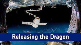 Liberando a cápsula Dragon da Estação Espacial