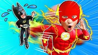 슈퍼히어로 강이 플래시 vs 배트맨 달리기 대결 Superhero Flash vs Batman