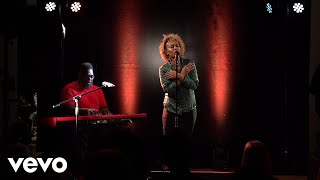 Emeli Sandé   Shine (Sofar Sounds London)