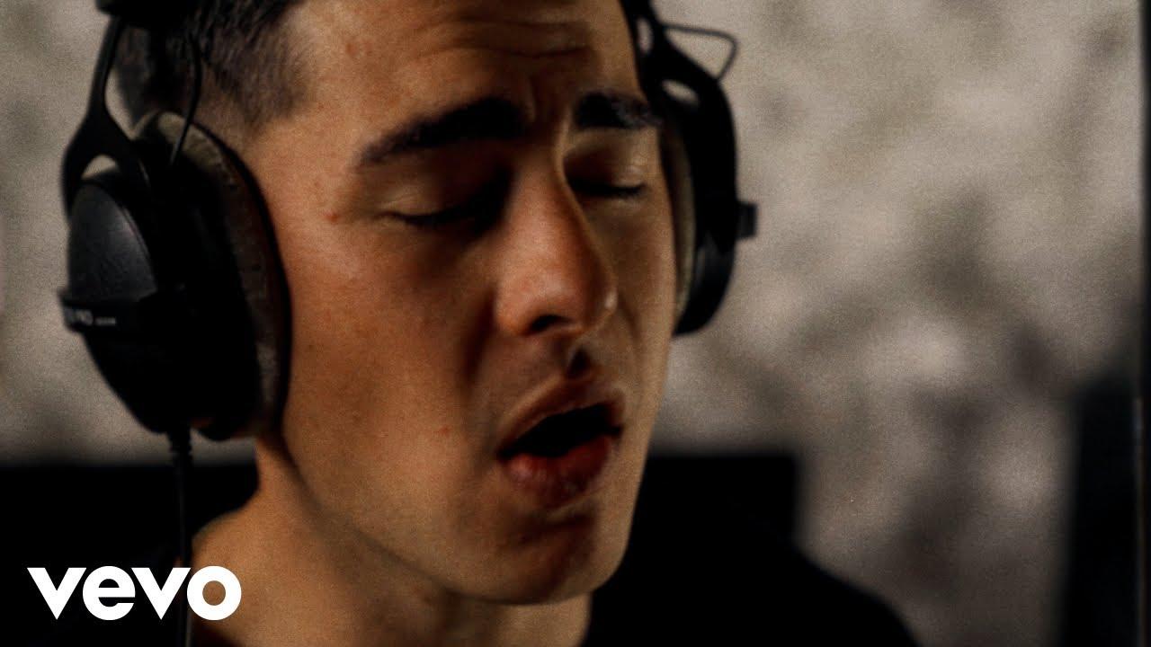 'He Aroha Hinemoa / Love on the Run' Lyric Video
