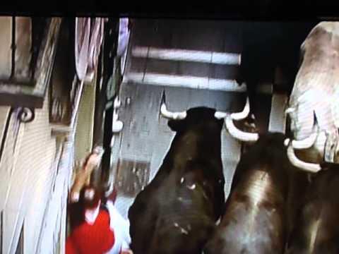 Bull Run 10.07.2013 { Pamplona } 4 Rep