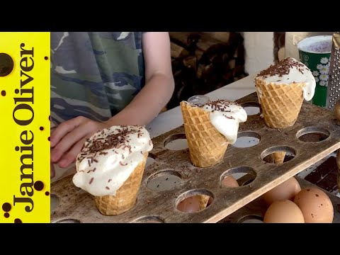 Homemade Fro-Yo   Buddy & Petal Oliver   #kitchenbuddies #withme