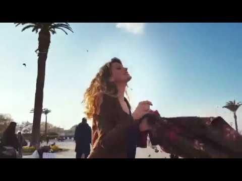 Farah Zeynep Abdullah - Yeni Güne klip izle